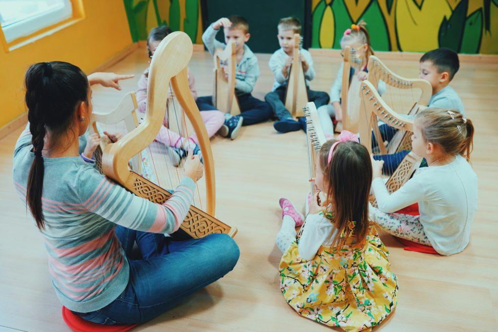 mala škola harfe po jedinstvenom programu harpomania