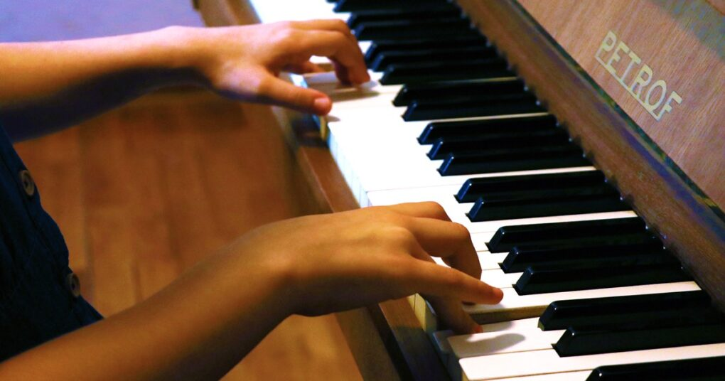 "Piano lessons in private music school ""EVA"" music according to ABRSM program of learning"