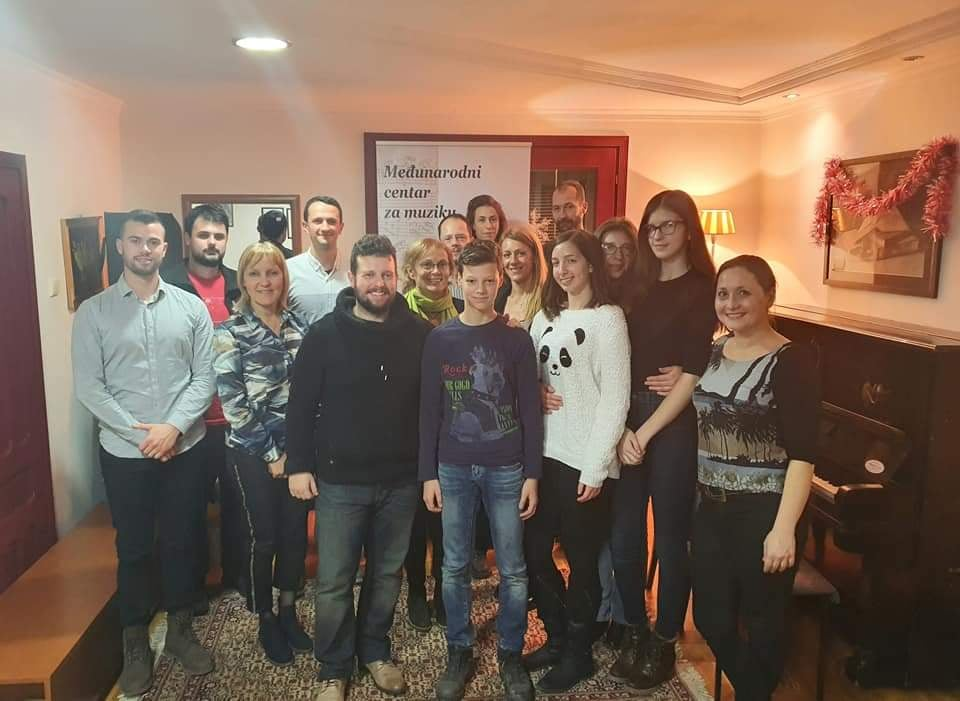 doktor-jazz-klavira-dimitrije-vasiljevic-i-ucesnici-master-klasa-muzicka-skola-eva-music