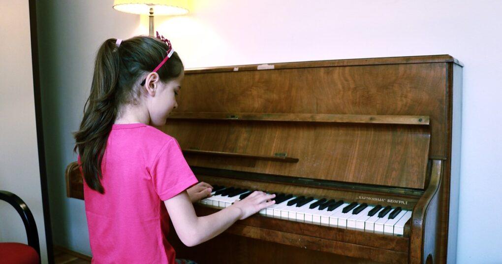Sve o upisu u muzičku školu - časovi klavira u privatnoj muzičkoj školi Eva