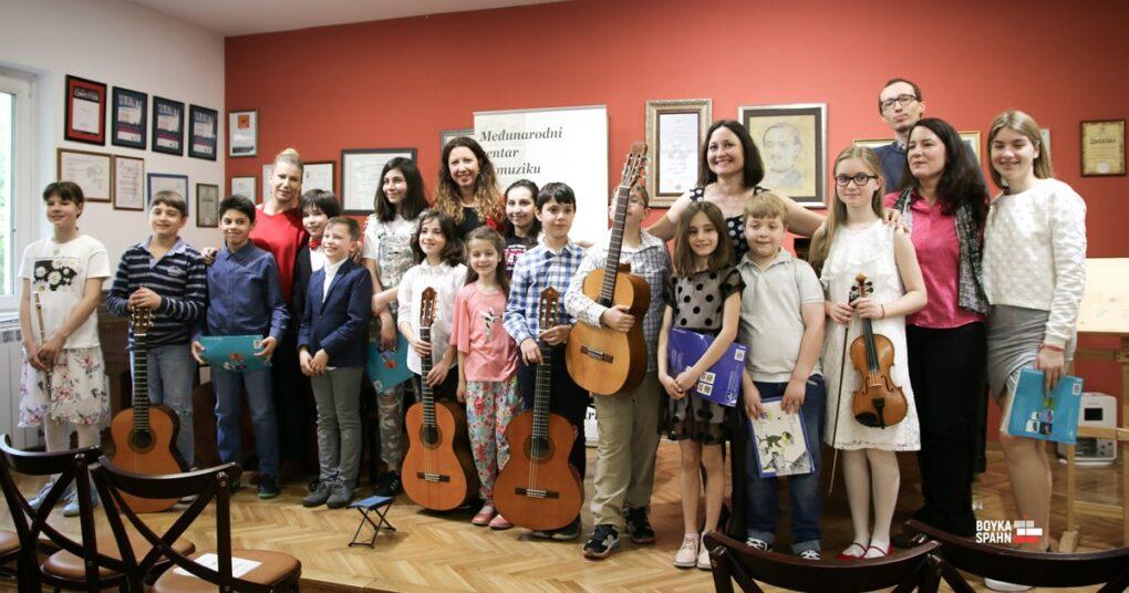 Concert in first international private music school Eva