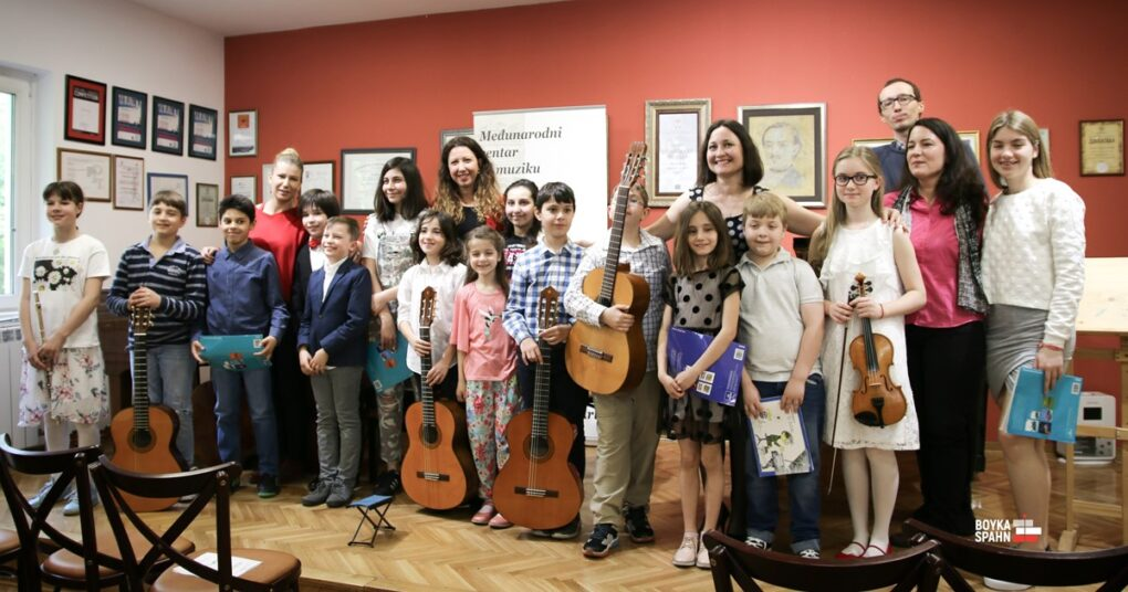 "Participants and professors - International Centre for Musical Arts ""EVA"""
