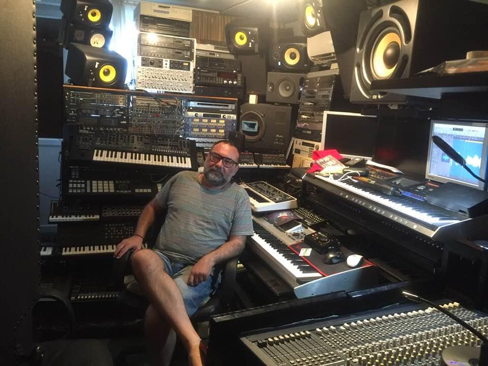 Dušan Petrović, Moderan klavir i reprodukcija zvuka, rock odsek prve medjunarodne muzičke škole u Beogradu, Eva Music